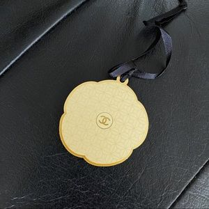 ✨Auth - Chanel Gold Camellia Charm for vip